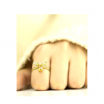 Mão Queen Bee Ring by Beesweet